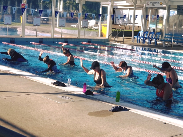 Fitness Class   Water Cycling